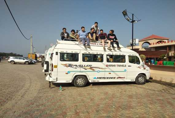 about tempo traveller